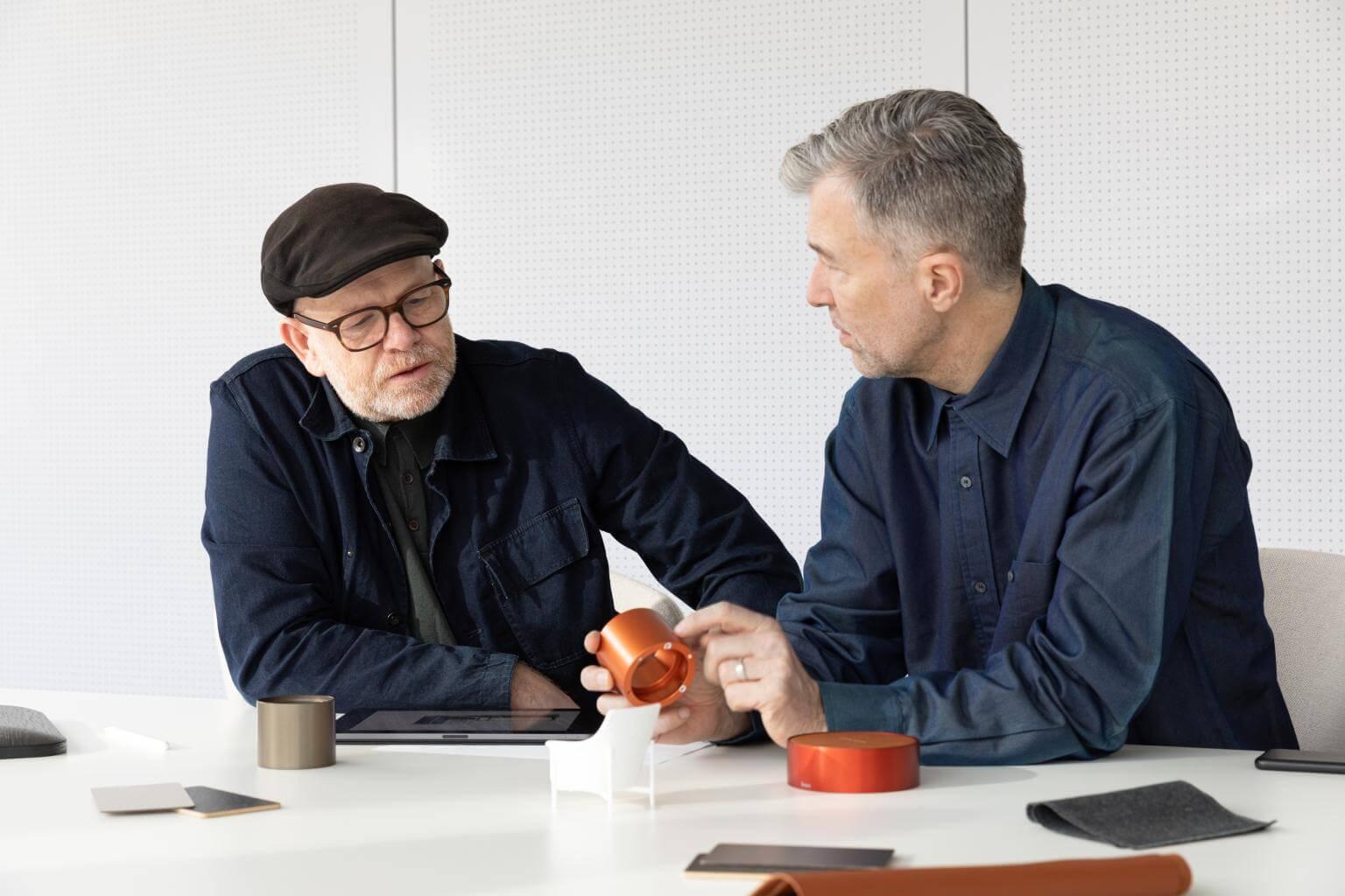 Luke Pearson & Tom Lloyd podczas rozmowy