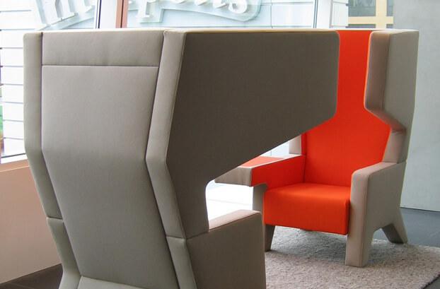 szaro pomarańczowe fotele