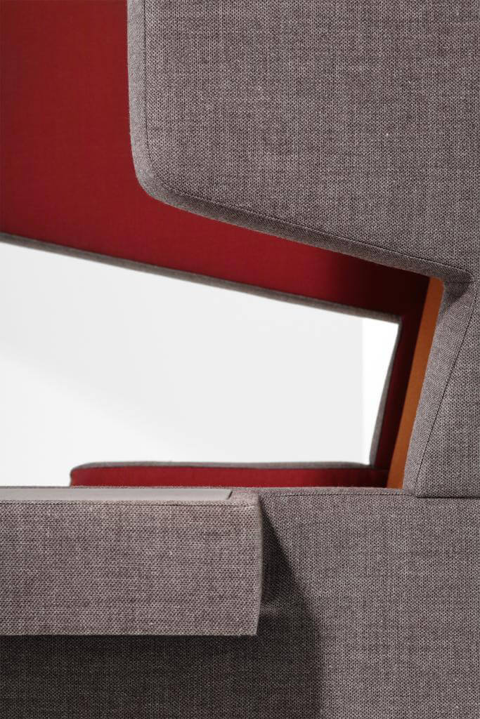 materiałowy czerwono szary fotel
