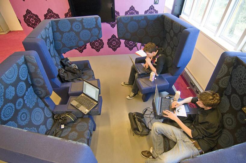 `pracujący ludzie przy komputerze