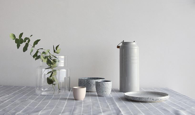 zestaw ceramiczny zkolekcji Mess od AOOMI Studio