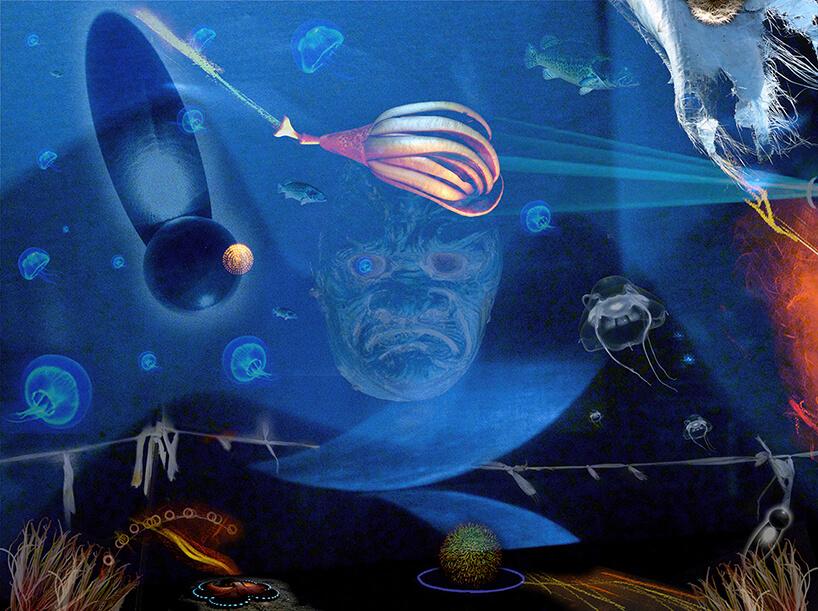 praca Andrzeja Dudzińskiego ryby meduzy na niebieskim tle zpoświatą głowy