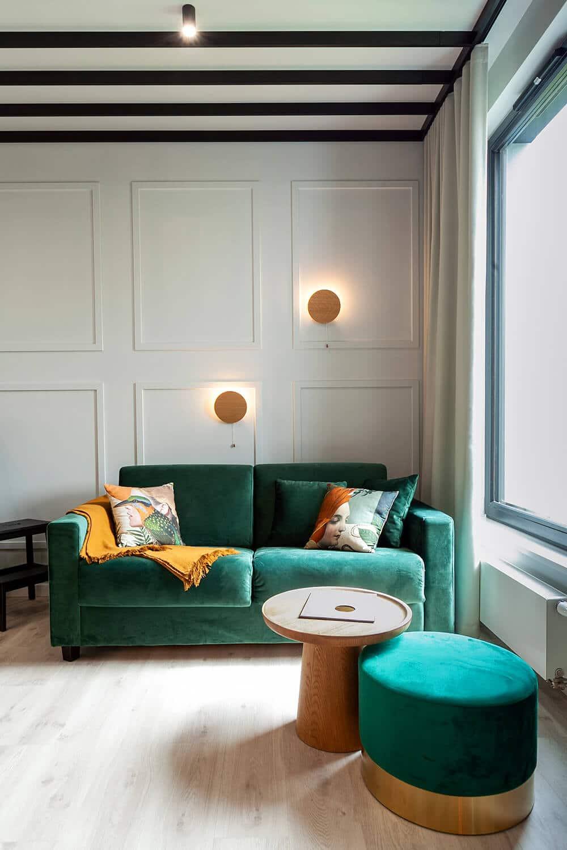 Apartament Botanica – przyjazna przestrzeń zwyjątkowymi sufitami