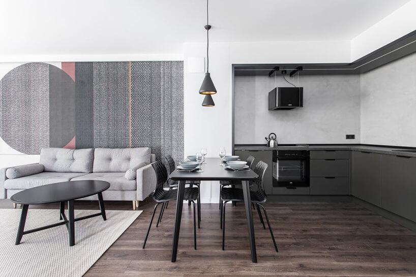 we wnętrzu apartamentu wgdańskim Dekorian Home projektu Studio Poziom