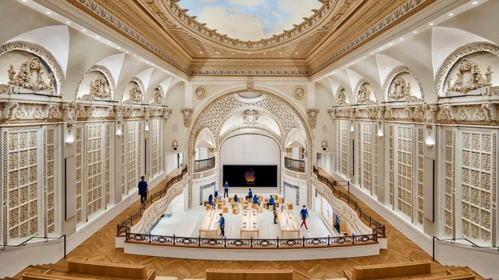 Apple Store wLA powstał wbudynku kina wybudowanego wlatach 20.