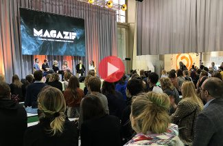 zdjęcie sceny z widownią podczas panelu MAGAZIF na Arena Design 2019