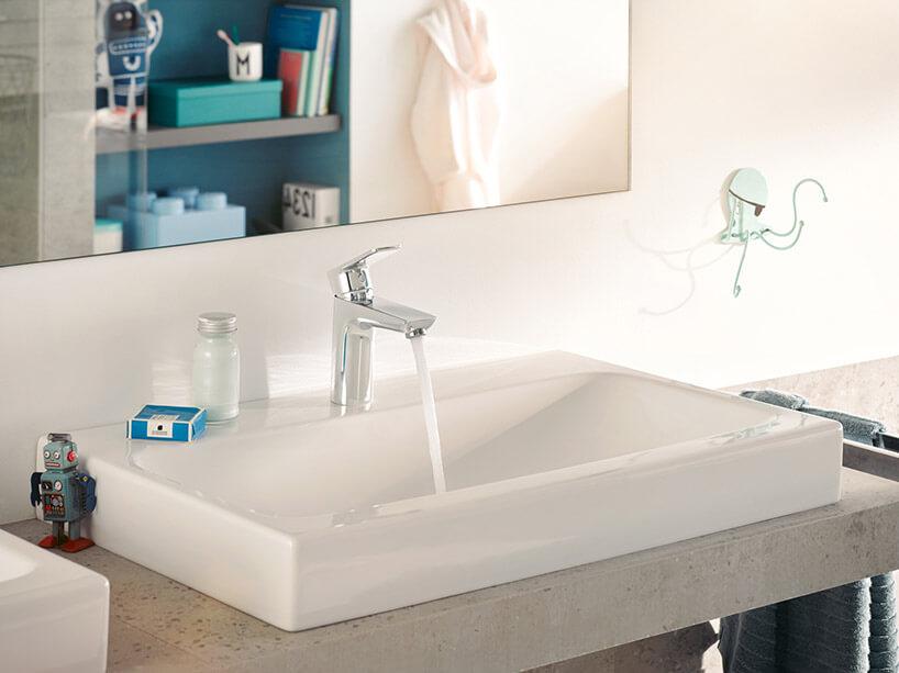 wysoka bateria łazienkowa na umywalce