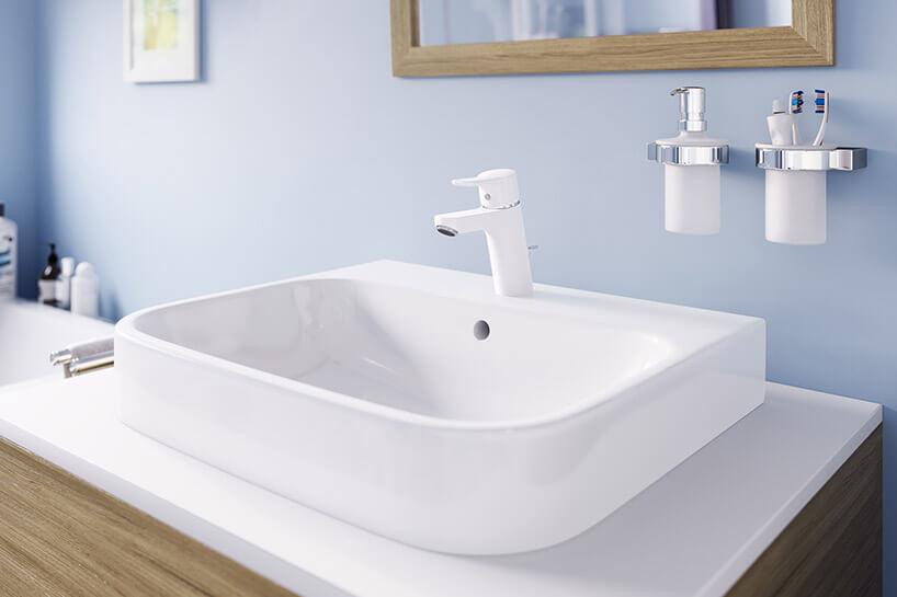 biała umywalkowa bateria łazienkowa