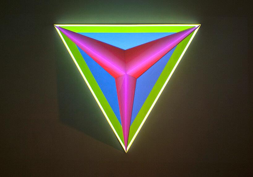 zielono różowy trójkąt