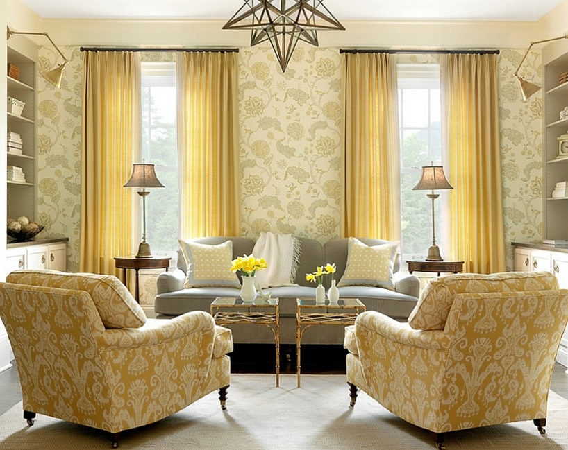 wnętrze ztapety wkwiaty wlekkim kolorze żółci