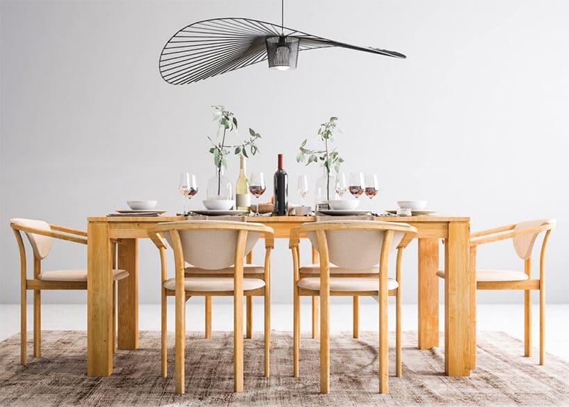 Bez obrusa: najpiękniejsze stoły drewniane