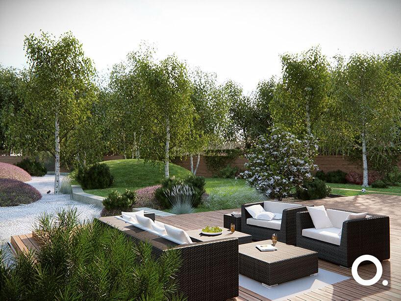 wizualizacja przestrzeni ogrodu zgodnego zbiophilic design od Studio.O. brązowe meble ogrodowe na dużym tarasie na tle ogrodu zbrzozami