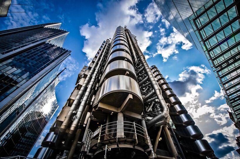 zdjęcie nowoczesnego biurowca L'loyds building