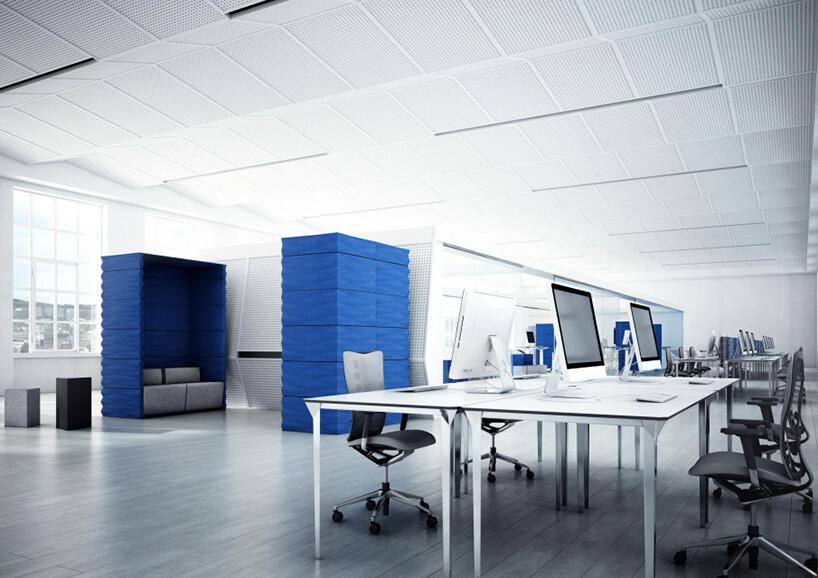 projekt aranżacji open space wbiały kolorze zniebieskimi boxami do rozmów VANK