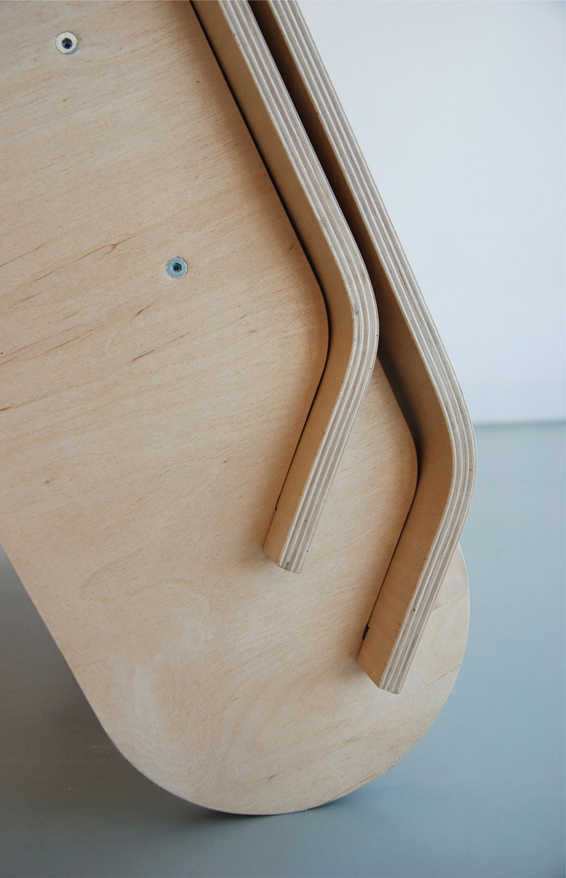 drewniane jasne nogi