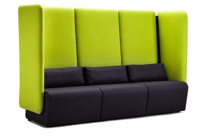 ciemne siedzisko z zielonym wysokim oparciem