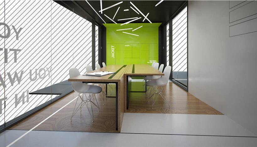 białe krzesła przy drewnianej konstrukcji wszklanym pomieszczeniu