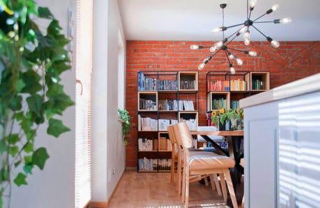 Cegła, metal i tkanina: loft w wersji soft