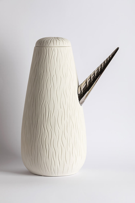 ceramiczny pojemnik zrogiem