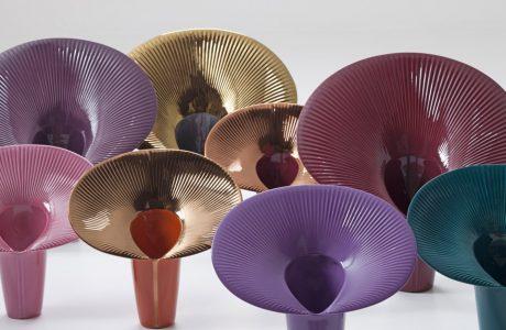 kolorowe rzeźby z ceramiki