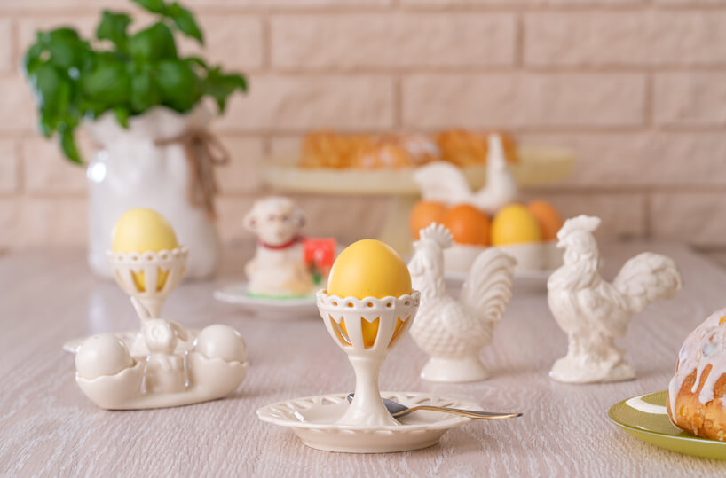 wielkanocne ceramiczne podstawki pod jajka koguciki talerzyki