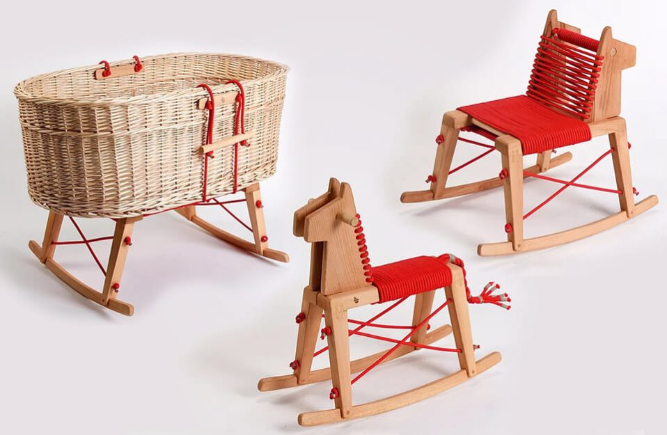 Chybotek kołyska, koń i krzesełko