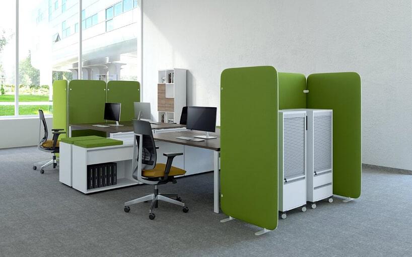 indywidualne stanowiska pracy - zielone ścianki działowe wbiurze