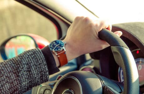 Czy dobry zegarek musi być drogi? Oto luksusowe modele za mniej niż 1000 zł