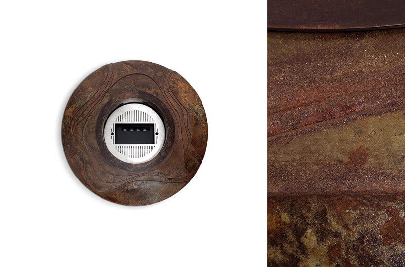 drewniany krążek ze słojami zbiałą kratką wśrodku