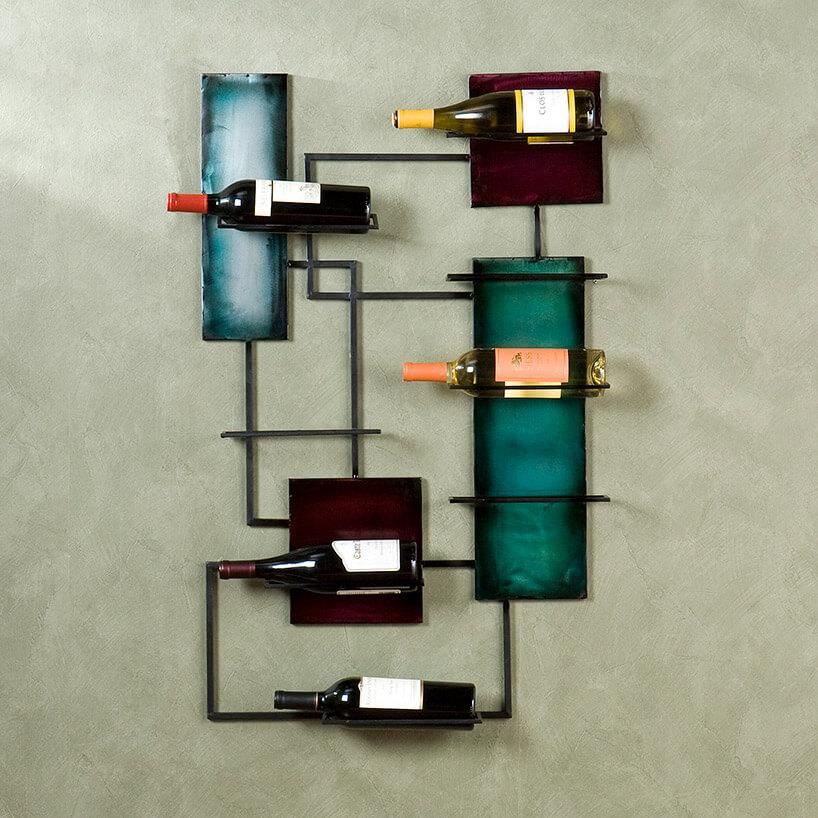 designerski stojak na wino