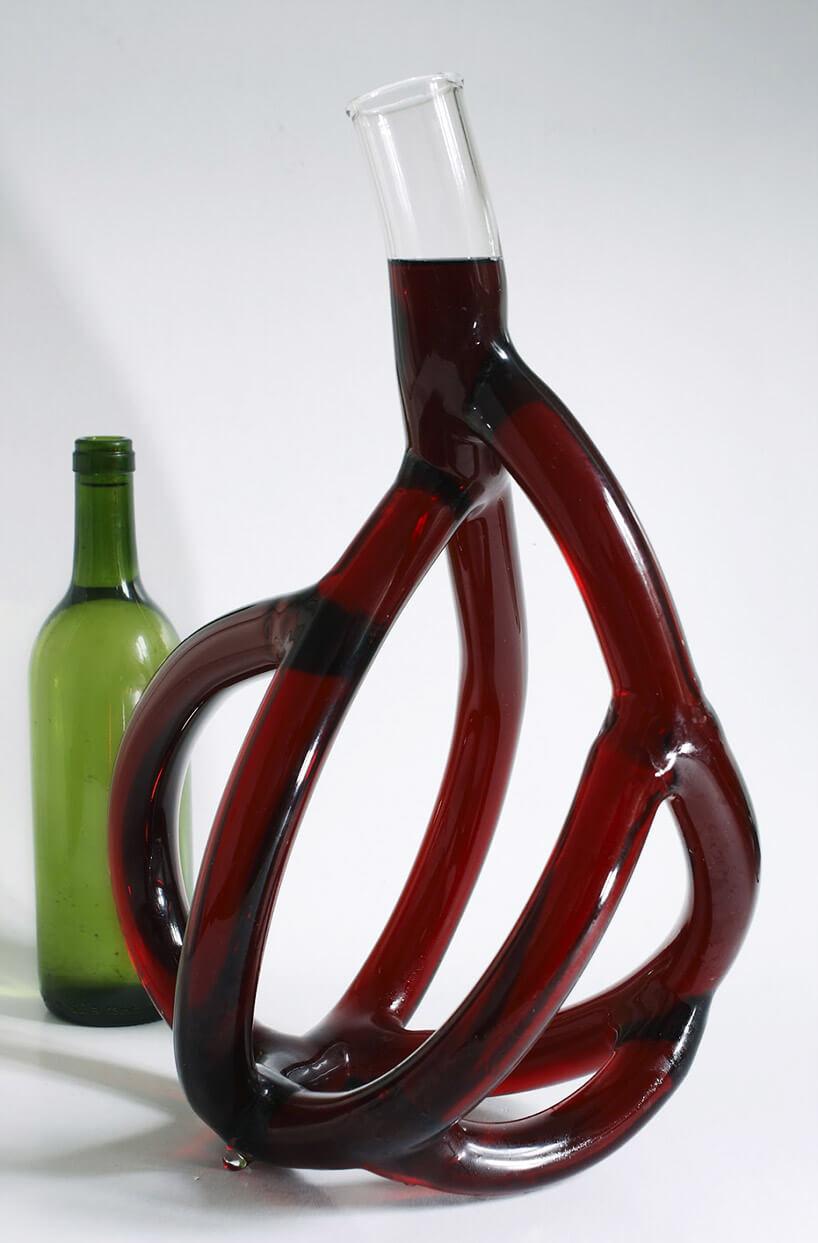 karafka do wina ze szklanych rurek
