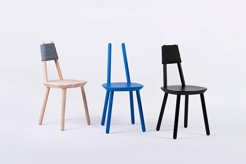 trzy krzesła znietypowymi oparciami