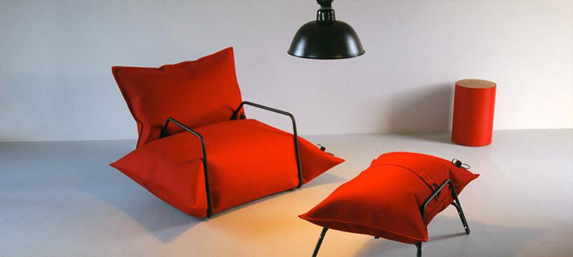 czerwony dmuchany fotel ipodnóżek