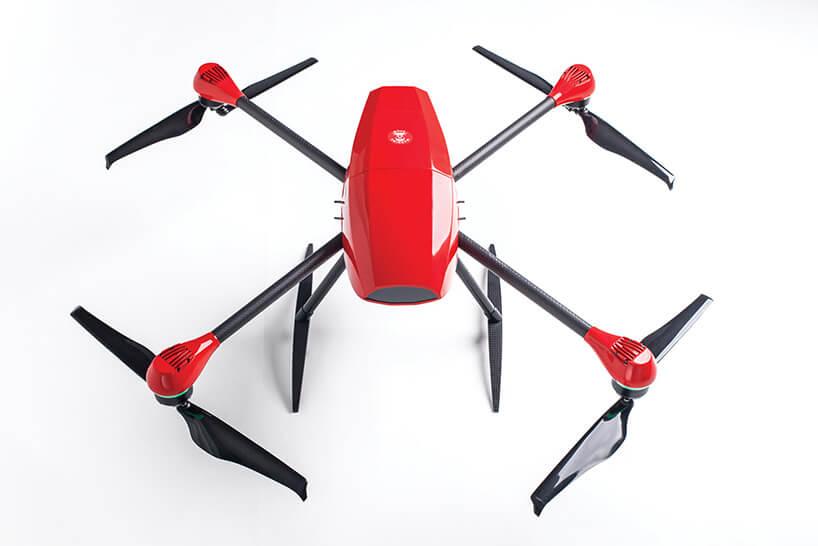 czerwony dron osobisty