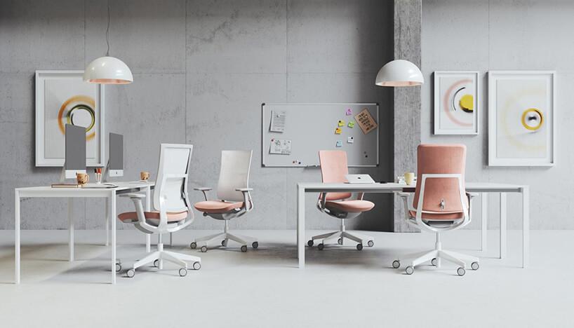 pastelowe fotele biurowe