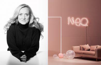 czarno-białe zdjęcie projektantki Doroty Koziary obok różowego wnętrza z neonem