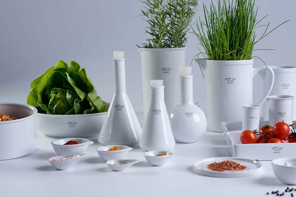 Doza smaku zporcelanowej fiolki, czyli kolekcja Home Lab od Modus Design