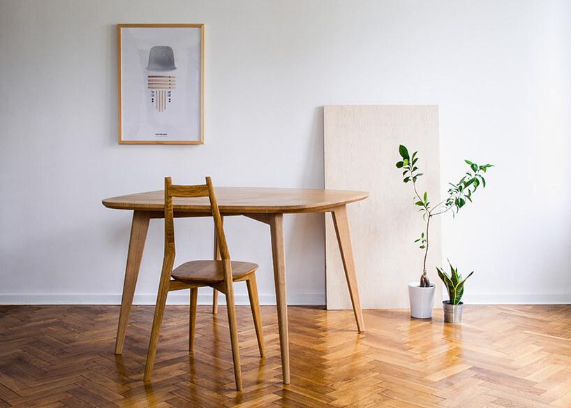 drewniany stół ikrzesło