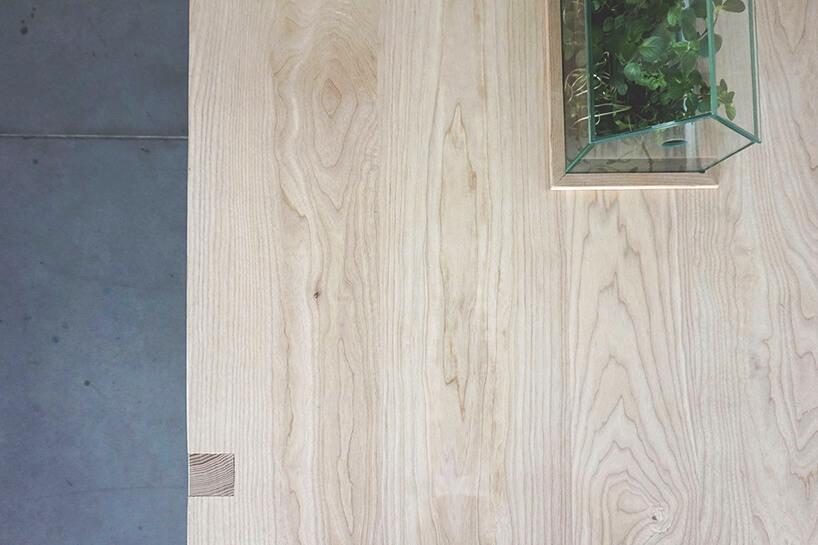 blat drewnianego stołu