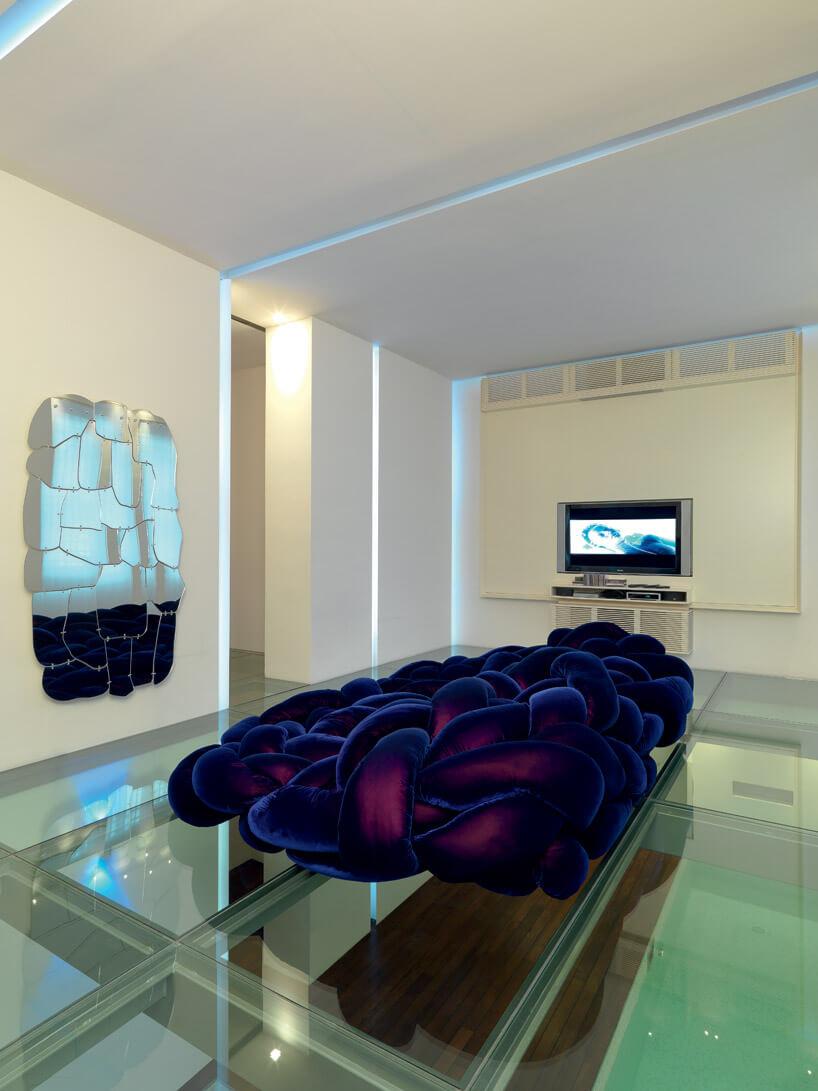 duża fioletowa poduszka