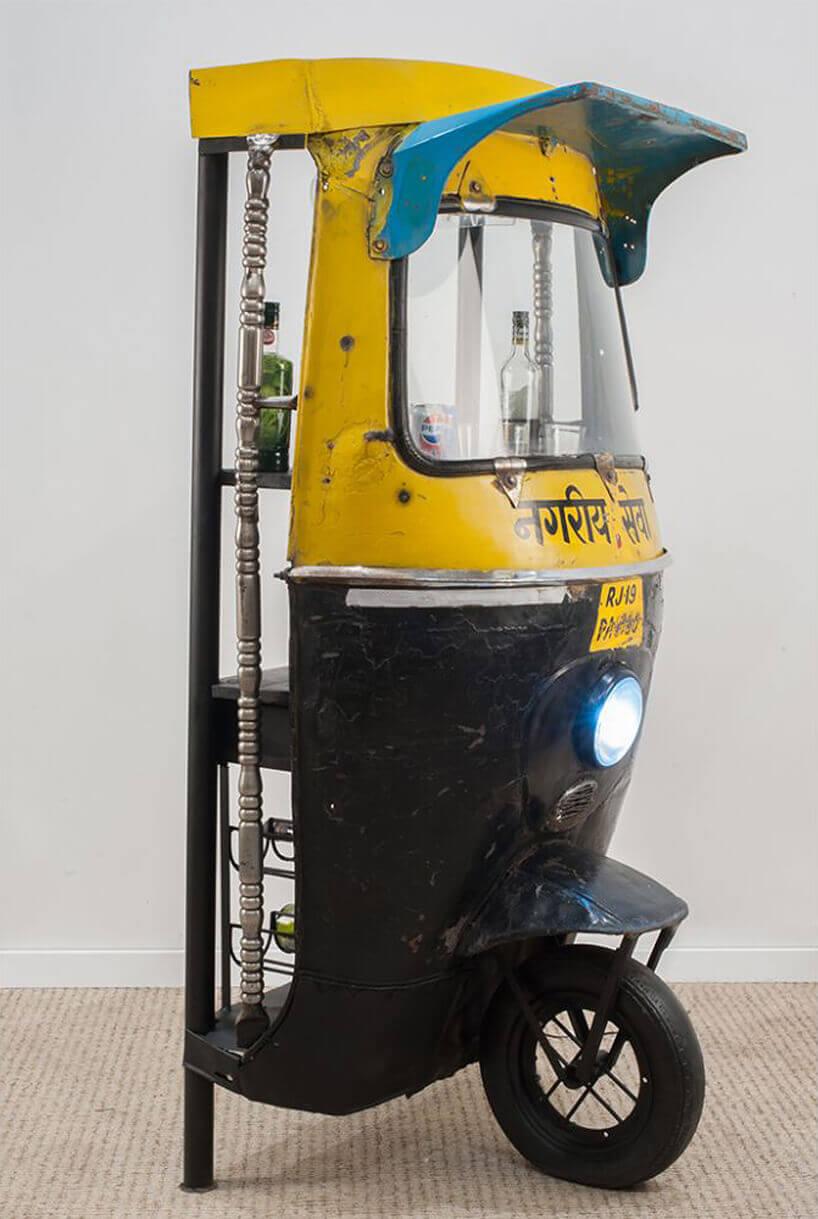 barek na kółkach przerobiony zindyjskiego czarno-żółtego motoroweru