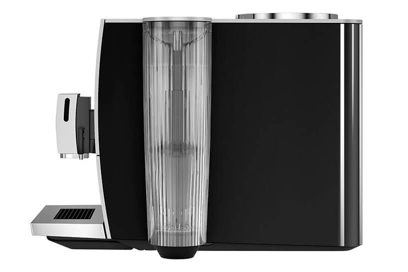 czarny automatyczny ekspres do kawy odwrócony bokiem