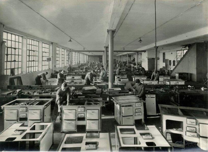 stare zdjęcie fabryki kuchenek