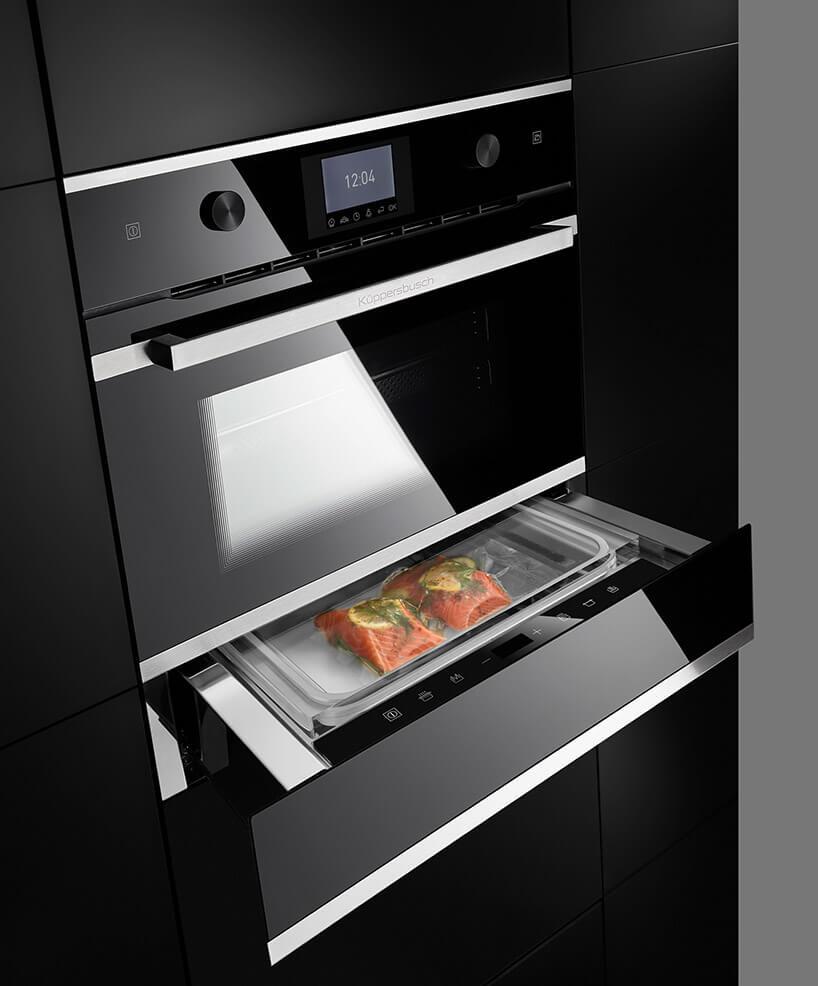 nowoczesny zabudowany czarny piekarnik