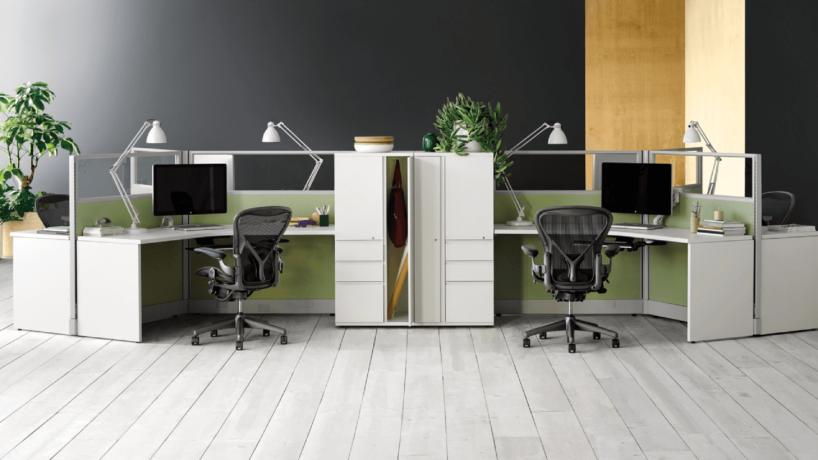 dwa indywidualne stanowiska pracy biuro projektu Hermana Millera