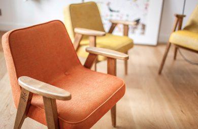 klasyczny fotel z PRLu 366