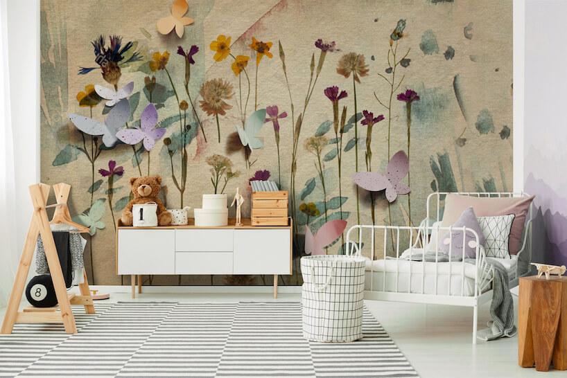 uroczy pokój dziecięcy ztapetą zmotywem kwiatowym od Uwalls