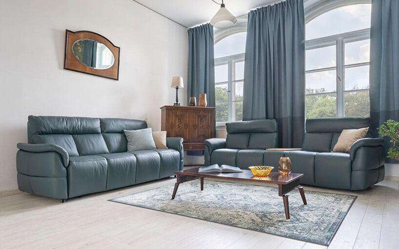 zielony wypoczynek wsalonie urządzonym wstylu klasycznym