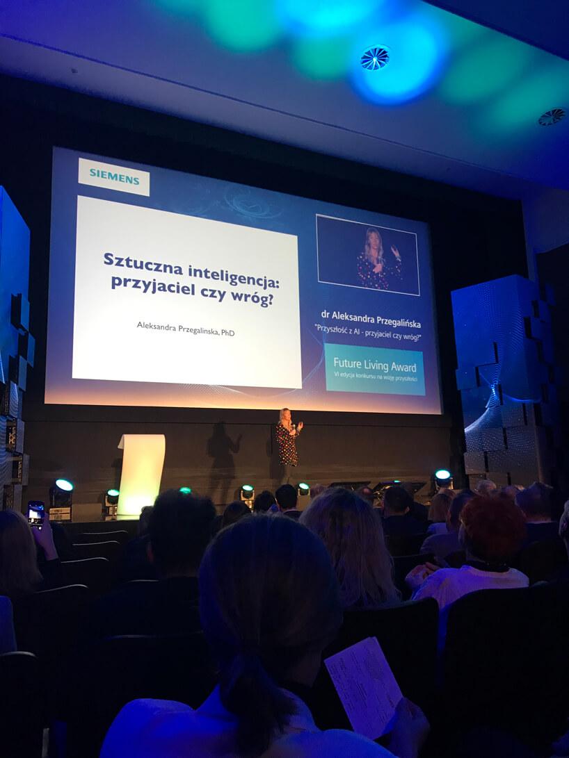 wykład Aleksandry Przalińskiej podczas gali Siemens Future Living Award 2018