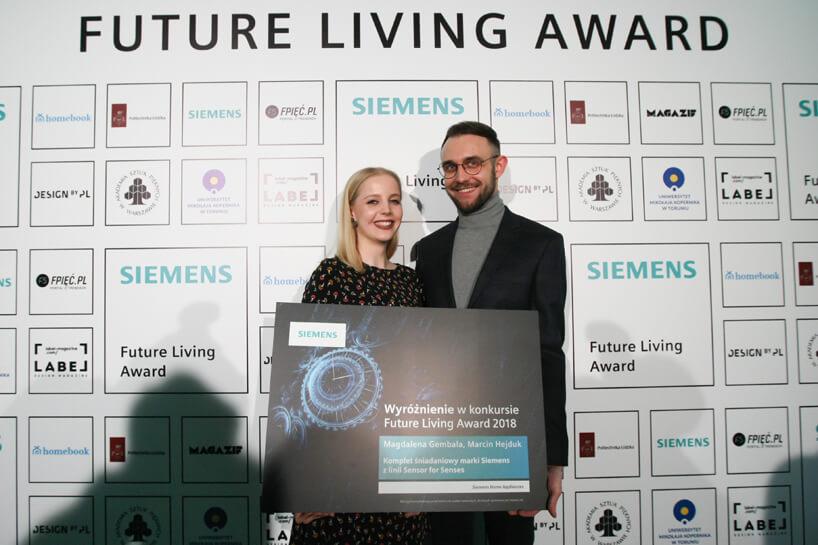 kobieta imężczyzna wyróżnieni podczas Siemens Future Living Award 2018